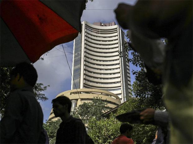 MARKET LIVE: SGX Nifty trends suggest a negative start for Indian indices